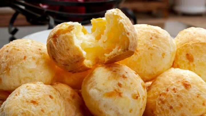 Pão de queijo: como oferecer de formas diferentes